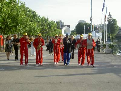 fanfare paris
